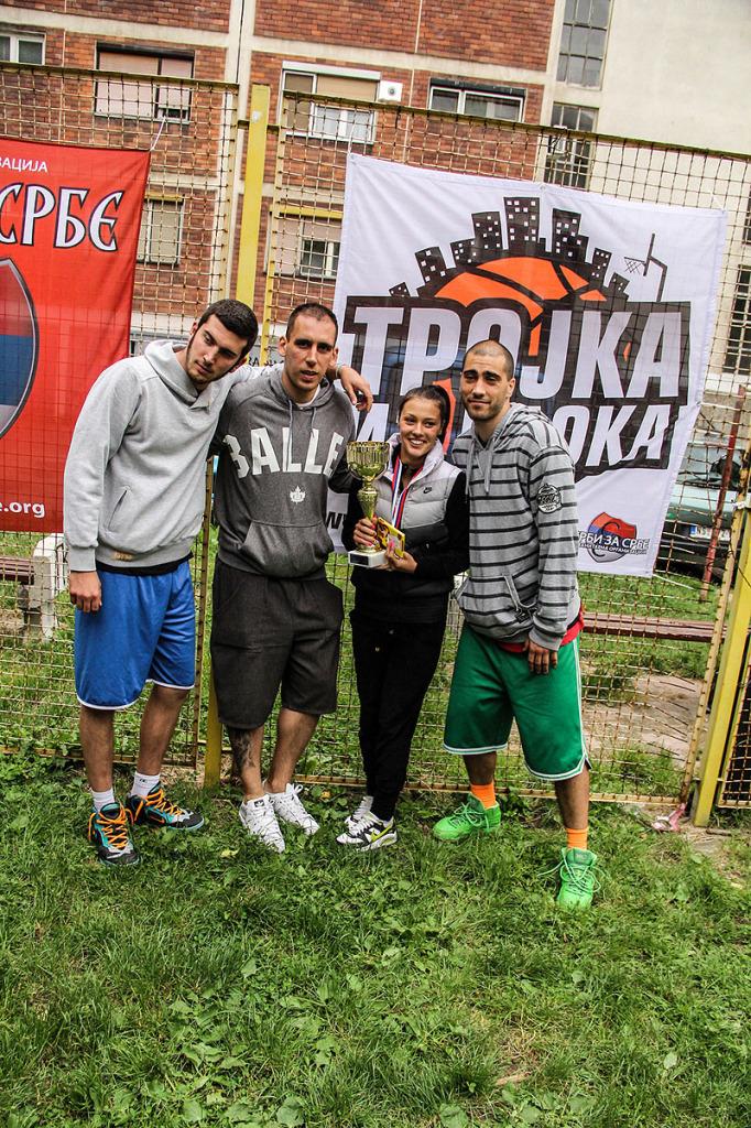 trojka-iz-bloka-basketasi