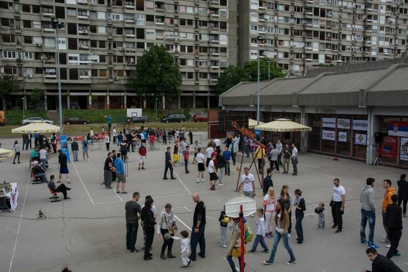 novi-beograd-u-znaku-trojke-iz-bloka-tib-2016-1