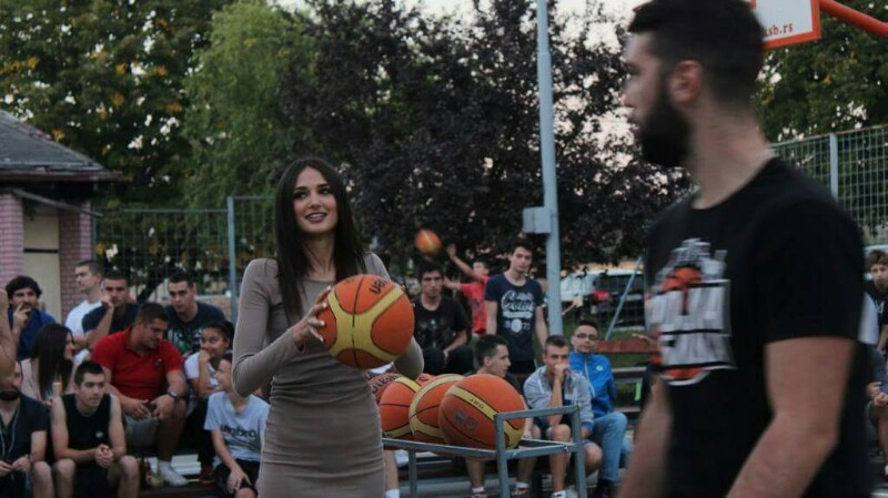 mladenovac-trojka-iz-bloka-2016-11