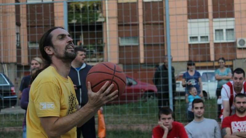 mladenovac-trojka-iz-bloka-2016-12