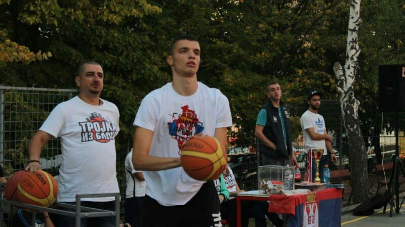 mladenovac-trojka-iz-bloka-2016-13