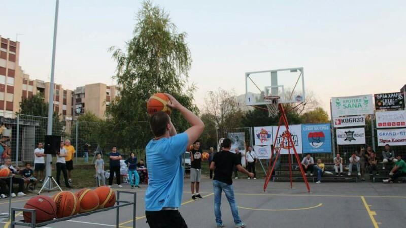 mladenovac-trojka-iz-bloka-2016-8